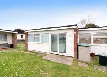 Thumbnail 2 bedroom mobile/park home for sale in California Road, California, Great Yarmouth