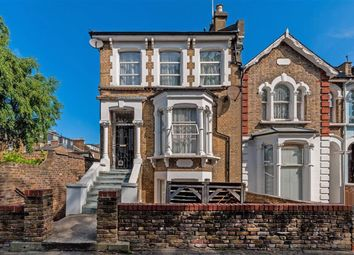 Thumbnail 4 bed property to rent in Grayling Road, London