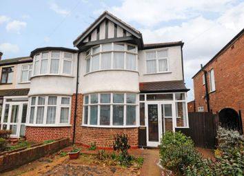 Thumbnail 1 bed flat to rent in Wyresdale Crescent, Perivale, Greenford