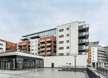 2 bed flat to rent in Ocean Way, Ocean Village, Southampton SO14