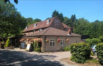 Thumbnail Pub/bar for sale in Crown Point, Sevenoaks Road, Seal Chart, Sevenoaks