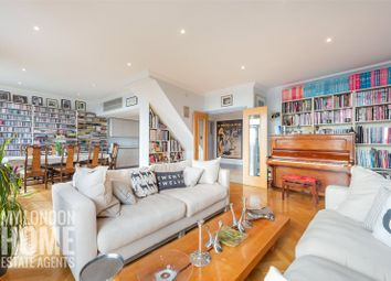 The Whitehouse Apartments, Belvedere Road, South Bank SE1. 2 bed flat for sale