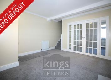 3 bed property to rent in Queens Road, Waltham Cross EN8