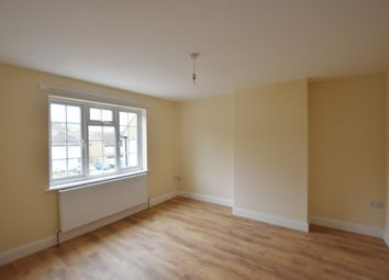 2 bed maisonette to rent in Purbrock Avenue, Watford WD25