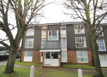 Thumbnail 2 bedroom flat to rent in Cuffley Court, Hemel Hempstead