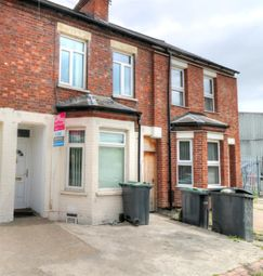 Thumbnail 3 bed terraced house to rent in Kingsway, Luton