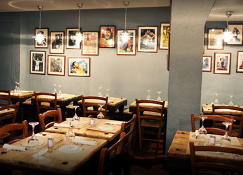 Restaurant/cafe to let in Old Brompton Road, South Kensington, London SW7