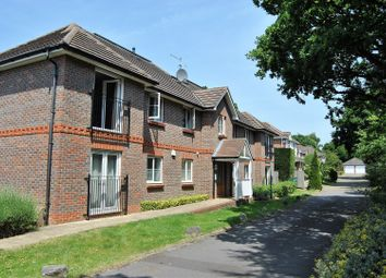 Thumbnail 2 bedroom flat for sale in Needlespar Court, Warsash
