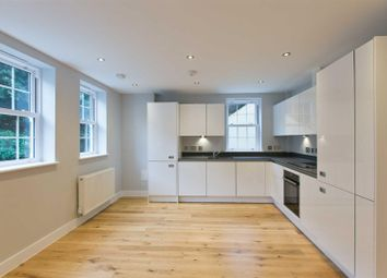 Thumbnail 2 bedroom flat to rent in Crown Street, Brentwood