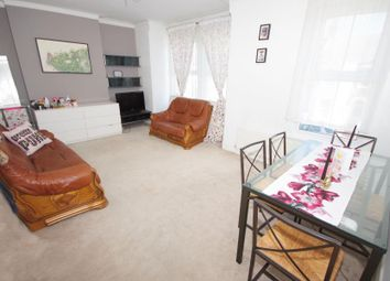 Thumbnail 2 bedroom flat to rent in Station Road, Finchley