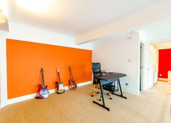 Thumbnail 2 bed flat for sale in Beaux Arts Building, Holloway