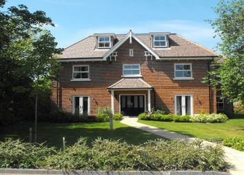 Thumbnail 2 bedroom flat to rent in Sandpipers Place, Cookham, Maidenhead