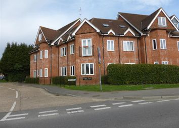 Thumbnail 2 bed flat to rent in Hurst Park, Horsham