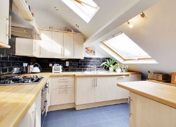 Thumbnail 2 bed flat to rent in Holly Bush Lane, Sevenoaks