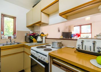 Thumbnail 2 bedroom maisonette for sale in Grovelands Close, Denmark Hill