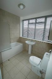 Thumbnail 1 bedroom flat to rent in Harehills Avenue, Chapel Allerton, Leeds