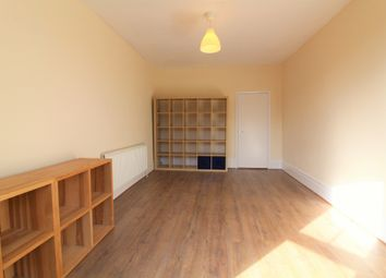 1 bed flat to rent in The Walk, Potters Bar EN6