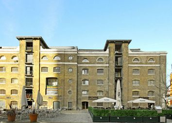 Thumbnail 3 bed duplex to rent in Hertsmere Road, Canary Wharf