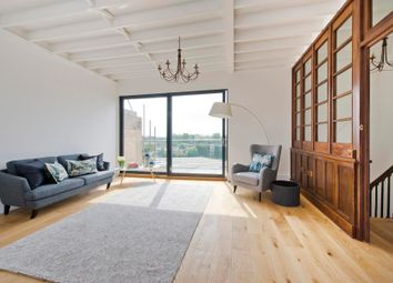 Thumbnail Flat for sale in Stanley Gardens, London