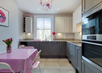 2 bed flat for sale in New North Road, Islington, London N1
