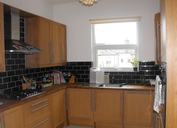 Thumbnail 3 bed flat to rent in Leasowes Road, London