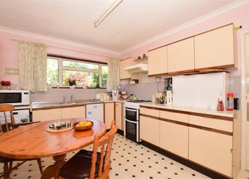 3 bed detached bungalow for sale in High Street, Farningham, Kent DA4