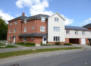 Thumbnail 2 bed flat for sale in Clover Rise, Woodley, Reading