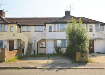 Thumbnail 1 bedroom maisonette to rent in Wiltshire Avenue, Farnham Royal, Slough