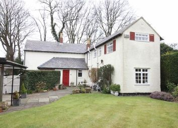 Thumbnail 4 bed cottage for sale in Hooton Road, Willaston, Cheshire