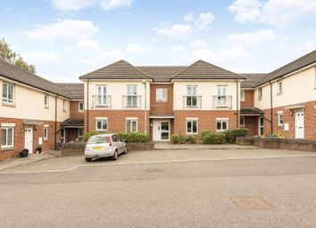 School Close, Chesham HP5. 2 bed flat