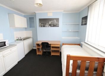 Thumbnail Studio to rent in East Street, Sittingbourne