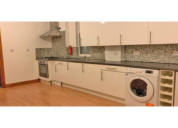 3 bed maisonette to rent in Oxford Gardens, Chiswick W4