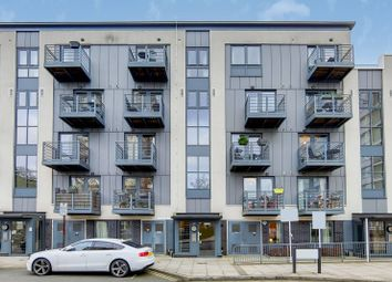 Thumbnail 1 bedroom flat for sale in Pooles Park, Finsbury Park, London