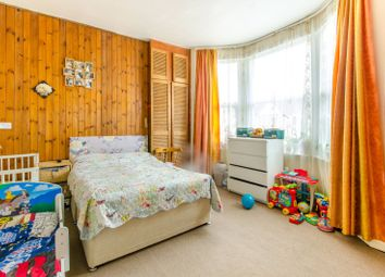 3 bed property for sale in Meads Road, Wood Green, London N22
