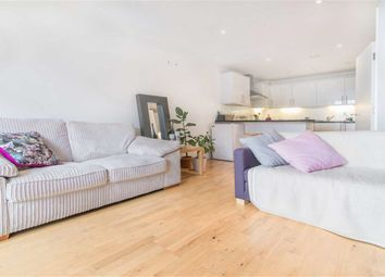 Thumbnail 2 bed flat to rent in Shacklewell Lane, London