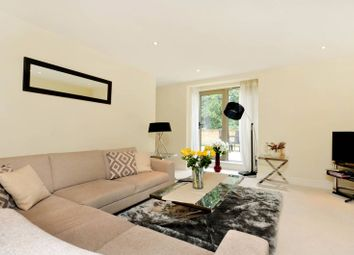 2 bed maisonette to rent in Hitherbury Close, Guildford GU24Ds GU2