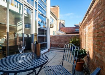 Thumbnail 1 bed terraced house to rent in Blake Street, York