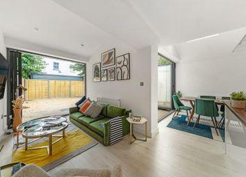 Elm Park, London SW2. 2 bed flat for sale