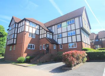 2 bed flat for sale in Priory Field Drive, Edgware HA8
