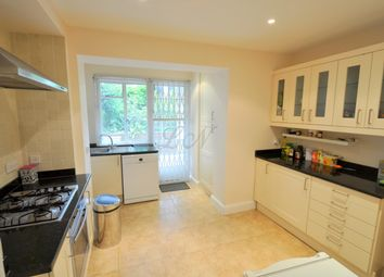 Thumbnail 2 bed flat to rent in Greenhalgh Walk, Hampstead Garden Suburb