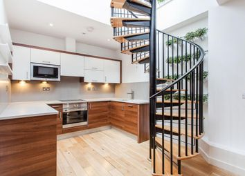 Thumbnail 1 bed flat to rent in Islington High Street, London