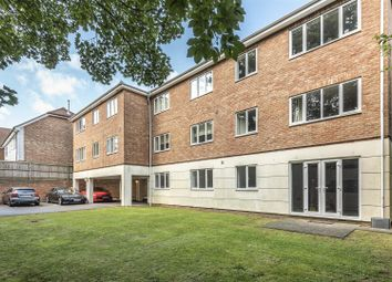 2 bed flat for sale in The Crescent, Belmont, Sutton SM2