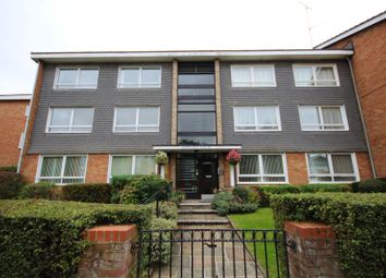 Thumbnail 2 bedroom flat to rent in Hewgate Court, Meadow Road, Henley-On-Thames