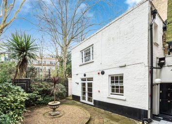 Thumbnail 1 bed flat for sale in Manchester Street, London