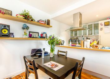 Thumbnail 2 bed flat to rent in New North Road, Hoxton