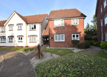 2 bed flat for sale in Cunningham Close, Chadwell Heath, Romford RM6