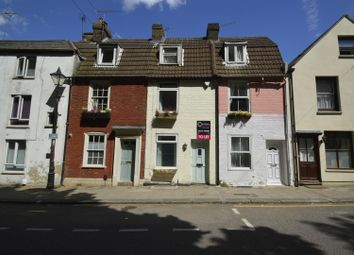 2 bed property to rent in Mill Road, Gillingham ME7