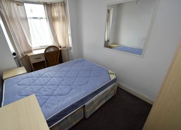 Thumbnail Room to rent in Charter Way, Southgate, Enfield