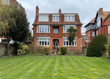 Blackwater Road, Eastbourne, East Sussex BN20. 3 bed flat for sale