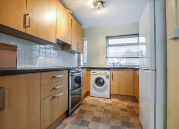 2 bed flat to rent in Brantwood Gardens, West Byfleet, Surrey KT14
